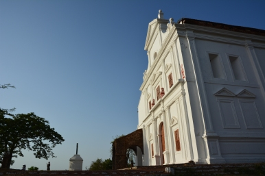 A look at the church. The view of Old Goa is on the left.