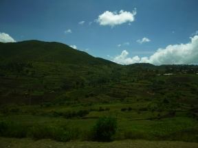 We saw some magnificent scenery, especially later in the trip after the camera battery died...